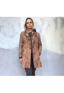 Пальто из каракульчи от Elvi